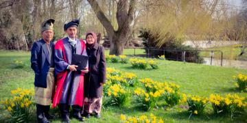 Pensyarah Bertanjak Peroleh PhD di Oxford untuk Tunjuk Hebatnya Bangsa Ini